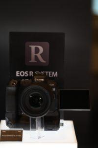 แคนนอนเปิดตัว EOS R กล้องมิเรอร์เลสฟูลเฟรมรุ่นแรก  พร้อมอุปกรณ์เสริมในระบบ EOS System ครั้งแรกในประเทศไทย