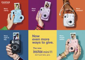 "instax mini 11 กล้องฟิล์มอินสแตนท์ตัวใหม่ ชูคอนเซ็ปต์ ""Now even more ways to give"" ให้คุณได้มากกว่าทั้งในเรื่องภาพสวยคมชัด ใช้งานง่าย กับดีไซน์ที่เป็นตัวคุณได้มากกว่าเดิม"